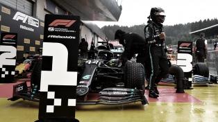 Hamilton larga primero en Silverstone y quiere afianzar el poderío de Mercedes