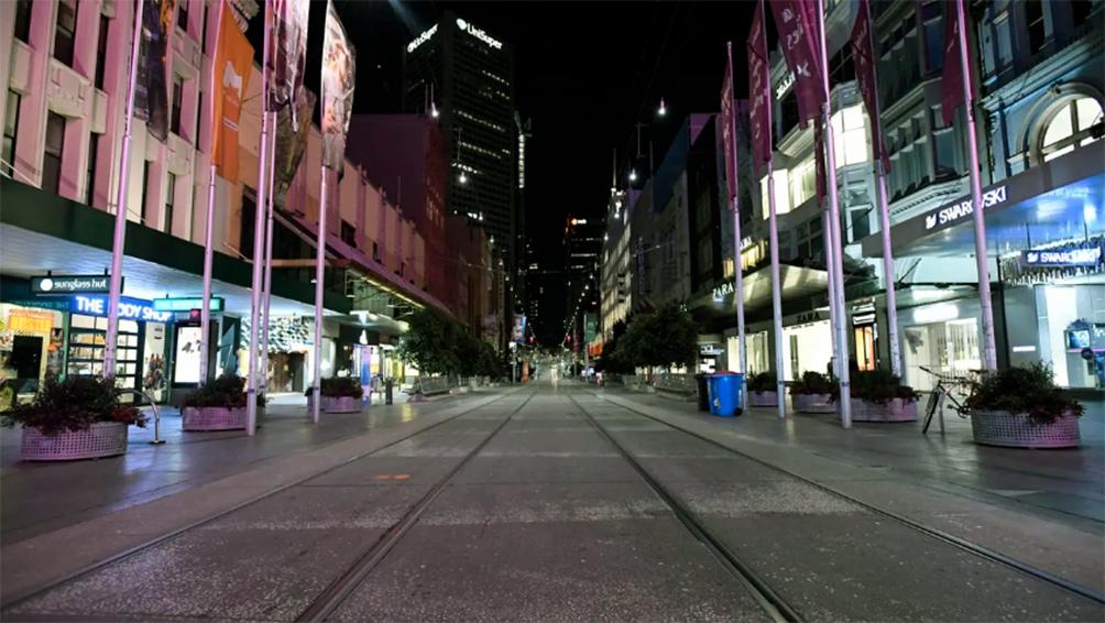 Entre las 20 y las 5 am, los ciudadanos de Melbourne sólo podrán salir de casa para trabajar, hacer las compras, hacer ejercicio en un radio de cinco kilómetros y acudir al médico.