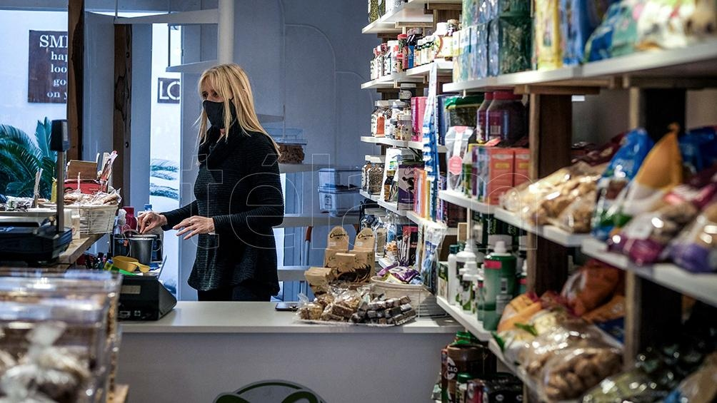 Friska, un negocio de comida saludable sobre la calle Güemes.