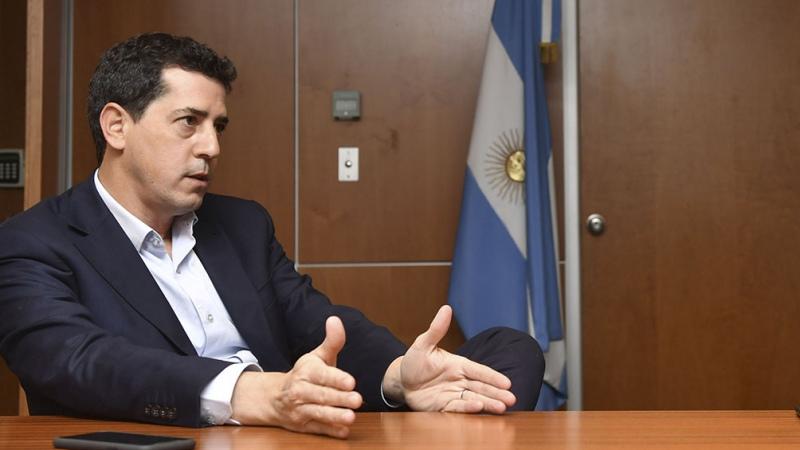 Wado De Pedro firmó con la intendenta de Moreno un convenio para enfrentar el coronavirus