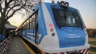 Capitanich y Meoni restablecieron parte del servicio ferroviario en el Gran Resistencia