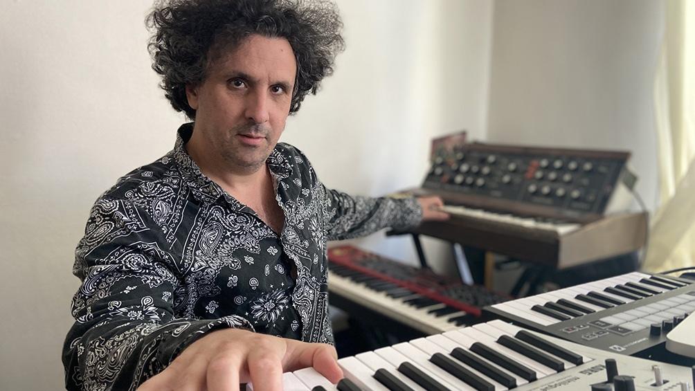 Sebastián Volco nació en la Argentina pero ahora vive en las afueras de París.