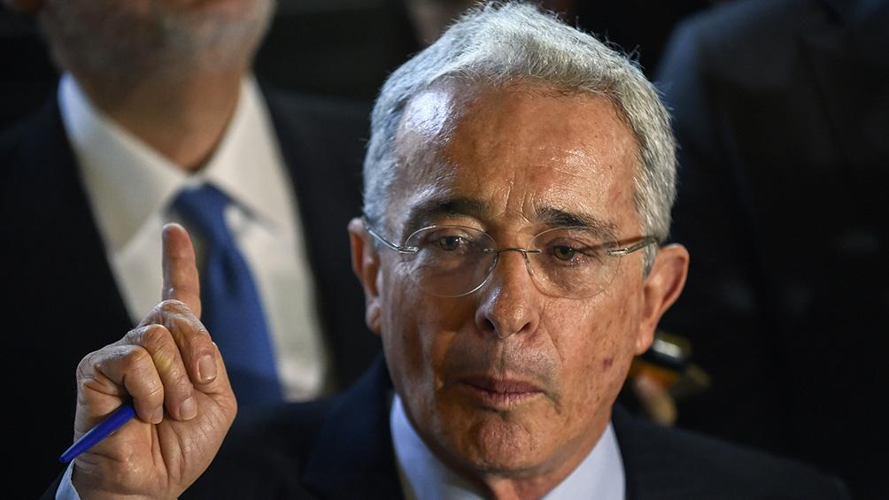 El ex presidente Uribe esperará el juicio en libertad