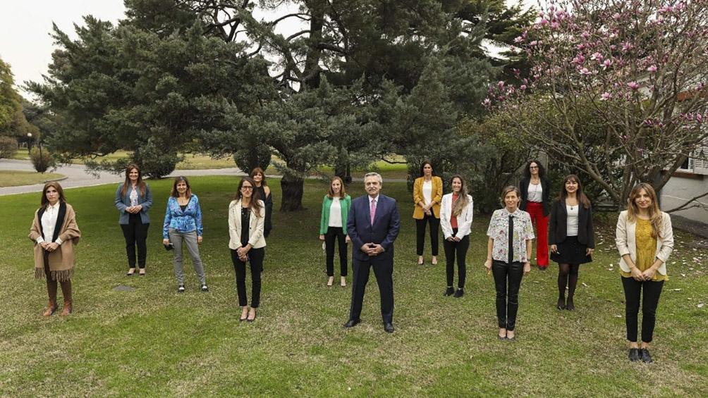Alberto Fernandez con empresarias del sector productivo