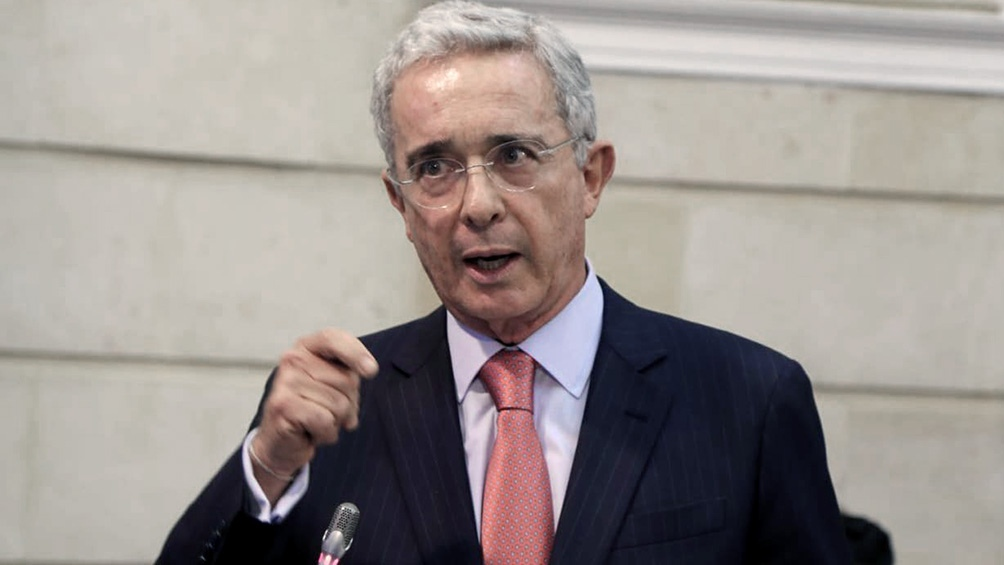 Uribe tiene más de medio centenar de procesos abiertos en su contra