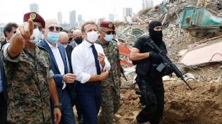 Macron convoca a una conferencia internacional para ayudar a Líbano