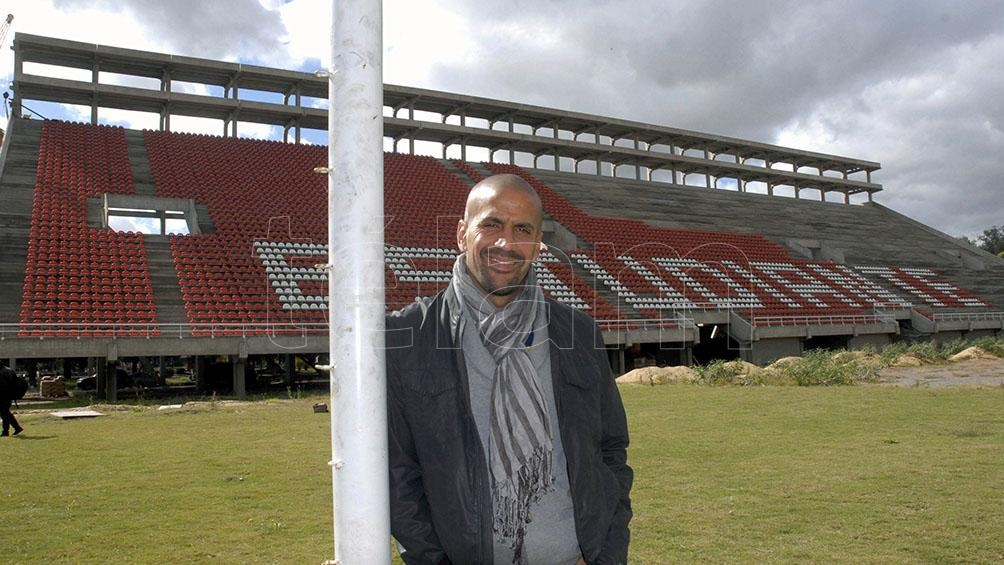 Verón analizó al fútbol argentino y ponderó las tareas dirigenciales de Juan R. Riquelme y Diego Milito
