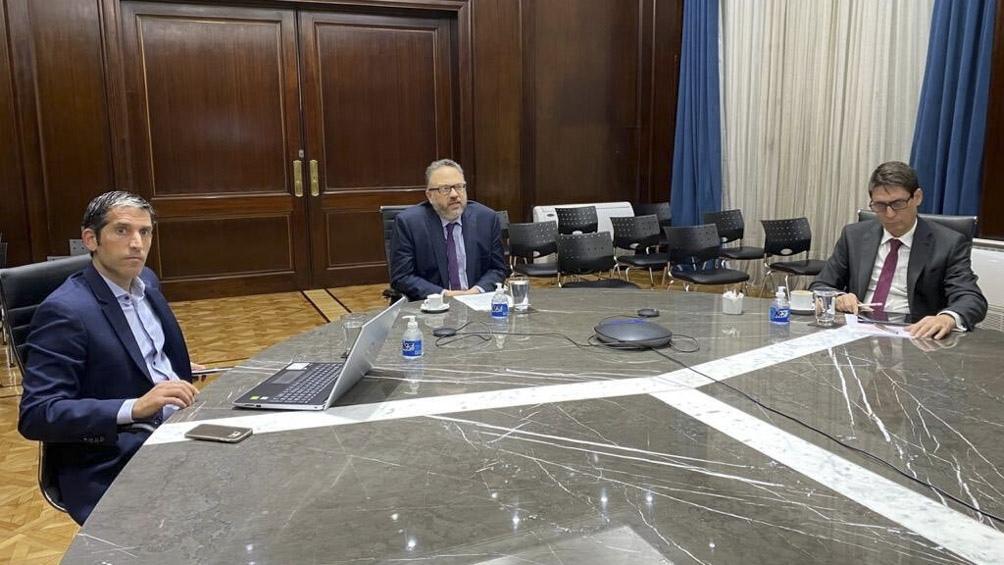 Kulfas conversó con empresarios del sector de hidrocarburos.