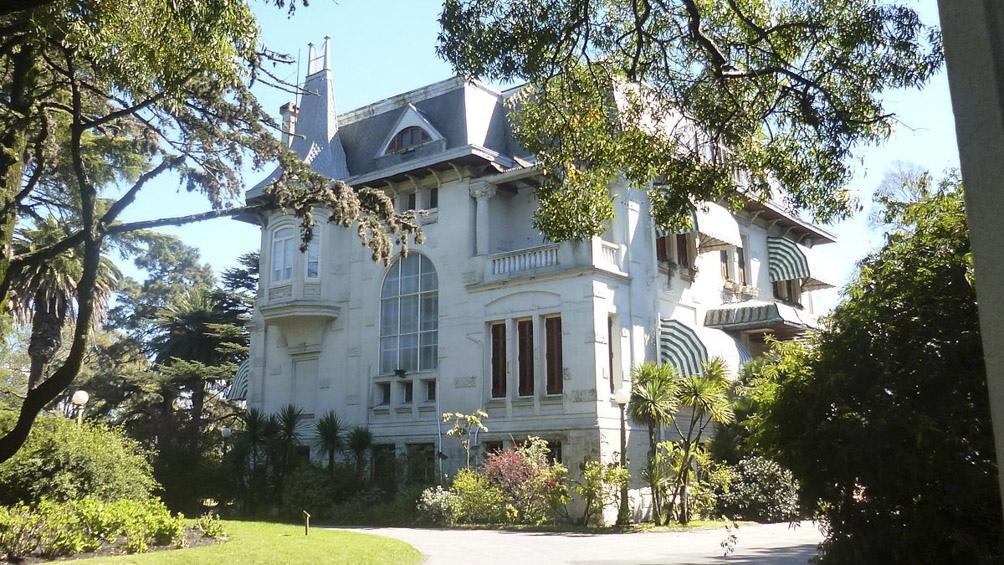 La residencia presidencial de Suárez y Reyes está en el barrio Prado de Montevideo, y data de 1908.