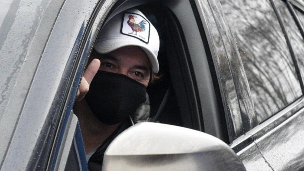 Gallardo fue el primero en llegar hoy al centro médico Rossi de San Isidro