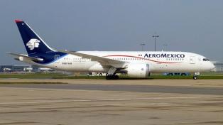 Impiden a una aerolínea cobrar una multa de U$ 5000 a pasajeros por un vuelo cancelado