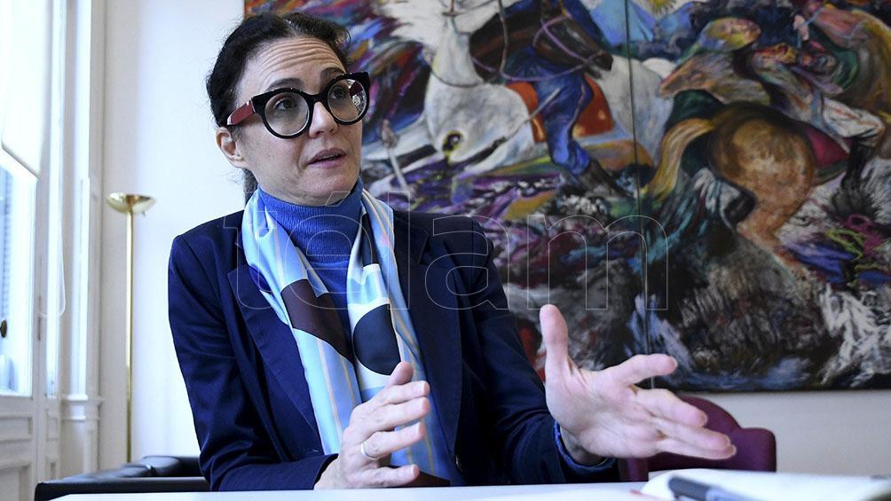 """""""Vamos a seguir acompañando a la gente"""", aseguró Cecilia Todesca Bocco."""