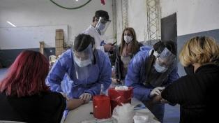 """""""Ojalá tenga anticuerpos así puedo donar plasma"""", dicen quienes se someten a los testeos"""