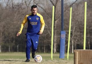 Carlos Tevez, presente en los entrenamientos.