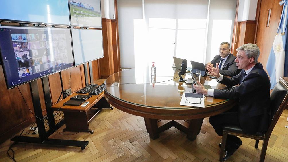 El ministro Meoni alienta la recuperación de puertos para descentralizar el movimiento de Buenos Aires.