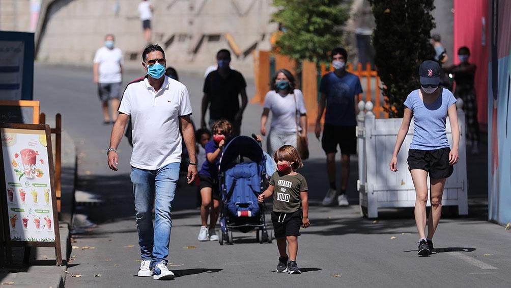 "Francia califica a siete departamentos como ""zona roja"" para hacer frente al coronavirus"