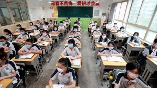 En China, más alumnos vuelven a la escuela de cara al inicio pleno del ciclo lectivo