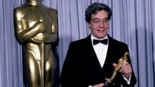 """A los 80 años murió Kurt Luedtke, ganador del Oscar por el guión de """"África mía"""""""