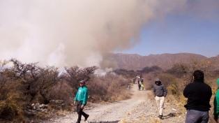 San Luis controló el fuego y en Tucumán se extinguieron los focos