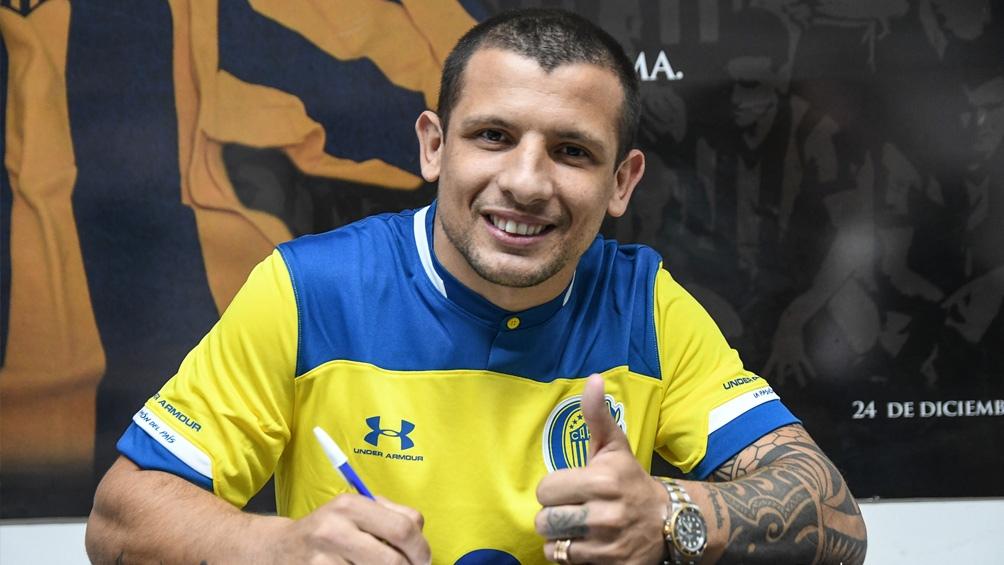 """Vecchio, una de las caras nuevas del plantel que encabeza Cristian """"Kily"""" González (Foto: @CARCoficial)"""