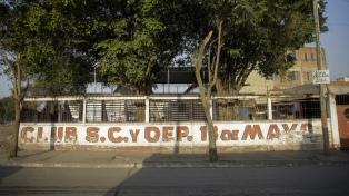Dictamen de comisión para un proyecto que condona deudas a clubes de barrio