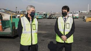 Meoni supervisó en Ezeiza preparación de protocolos para el momento en que regresen los vuelos