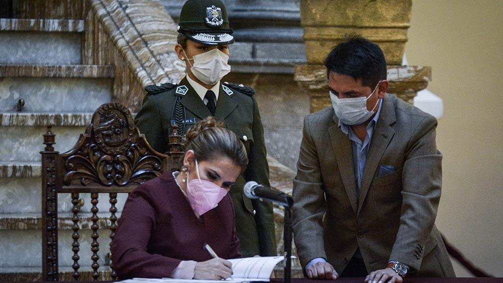 Jeanine Áñez dio de baja su candidatura presidencial