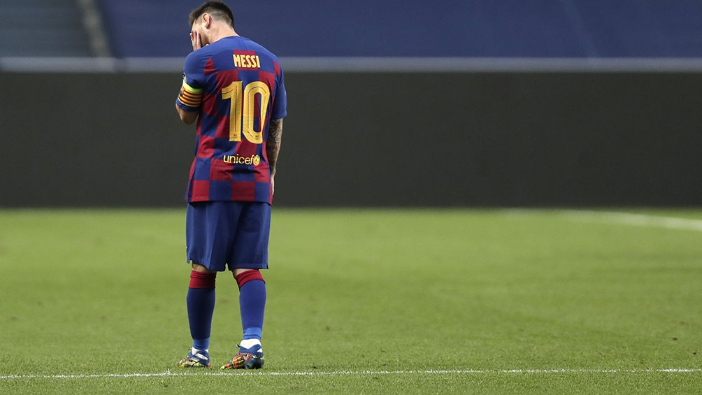 Messi y un gesto de decepción ante tan dolorosa derrota ante el Bayern Munich por 8 a 2
