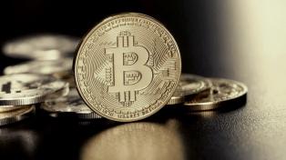 El Salvador superó los 500 mil usuarios de billetera bitcoin y abrió cajeros en EEUU