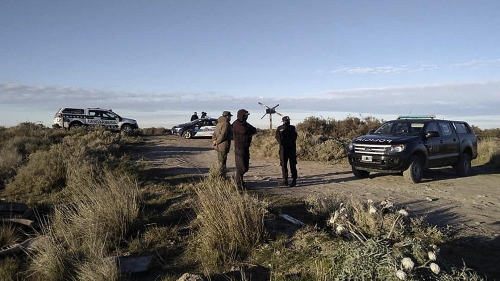 La mochila fue hallada a unos cuatro kilómetros del lugar donde apareció el cadáver del jóven.