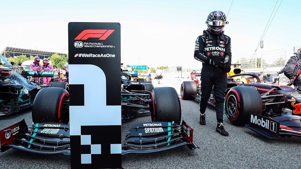 Hamilton llegó con 24.177 segundos de ventaja sobre Verstappen y 44.752 segundos sobre Bottas.