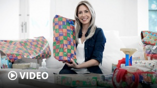Fabiola Yañez entregó juguetes en hospitales y merenderos