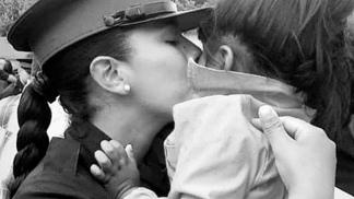 Micaela Romero con su hija de 2 años.