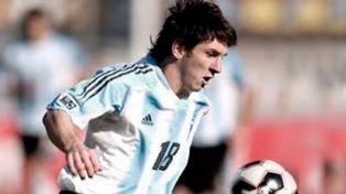 A 15 años del debut de Messi en el seleccionado mayor: ilusión, expulsión y desazón
