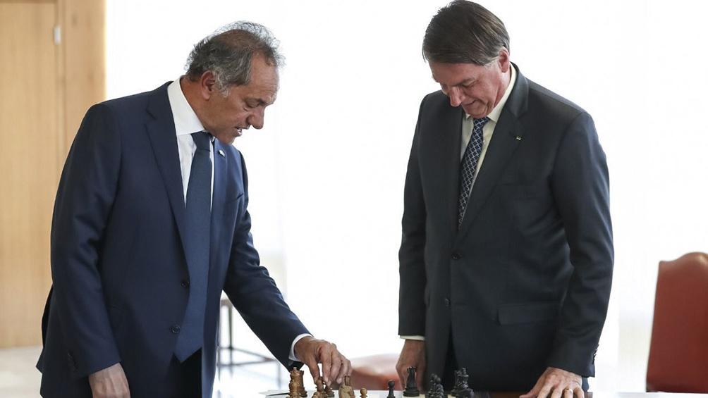 El embajador argentino en su primera reunión con el presidente Jair Bolsonaro,