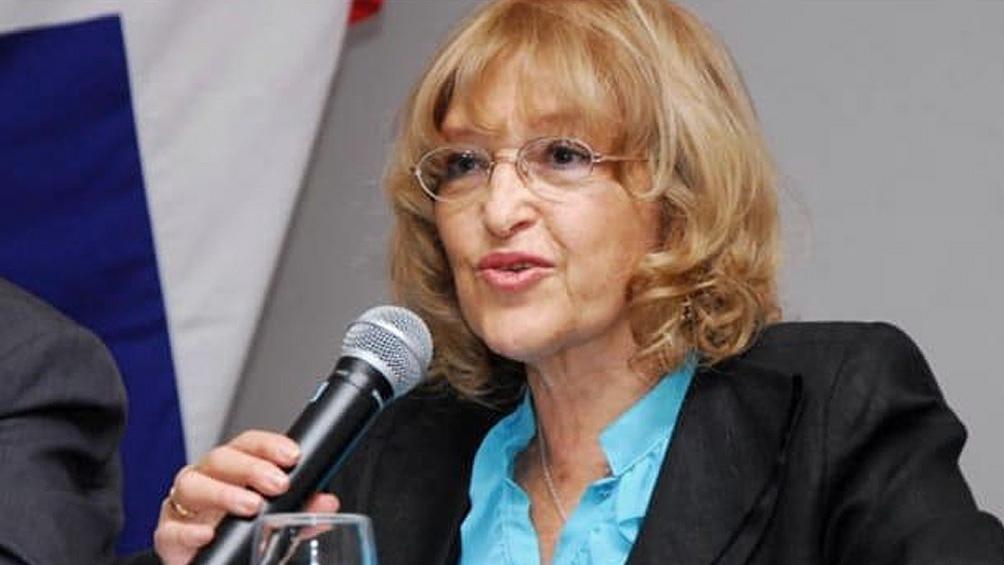 La pedagoga y exdiputada nacional Adriana Puiggrós se convirtió en 1974 en la primera decana de la UBA. Foto: Archivo Télam