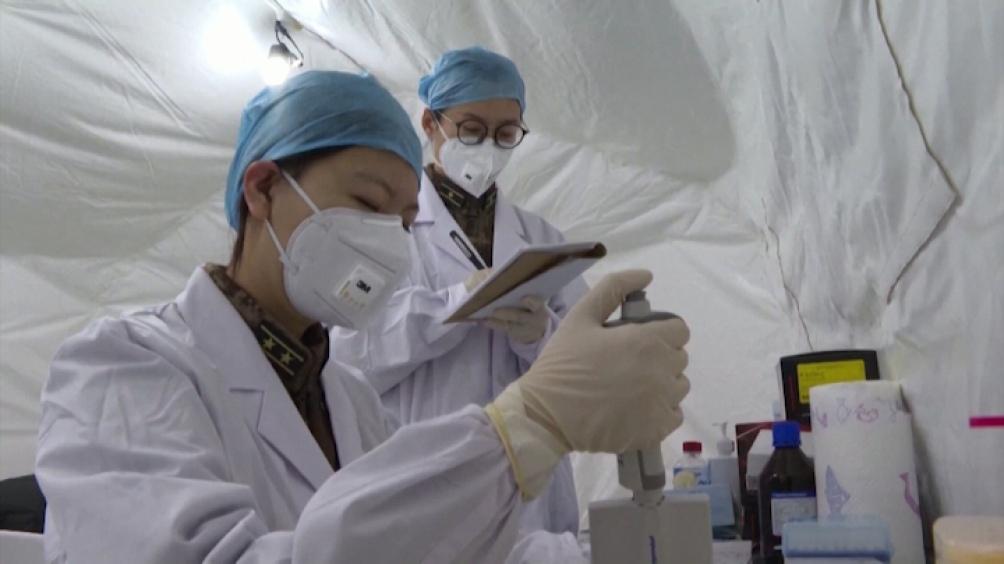 Las autoridades chinas aseguraron que 11 vacunas de cinco empresas ya se encuentran en la fase 3