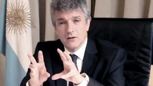 """Gustavo López afirmó que el DNU """"no significa que fijamos tarifas"""""""