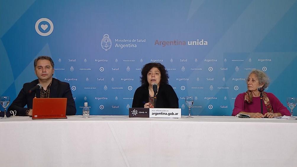 El total de casos confirmados en Argentina es de 336.802 (49,1% mujeres y 50,9% hombres).