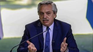El Presidente compartió mensaje de Rossi que destaca soluciones nacionales a deudas en 2006 y 2020