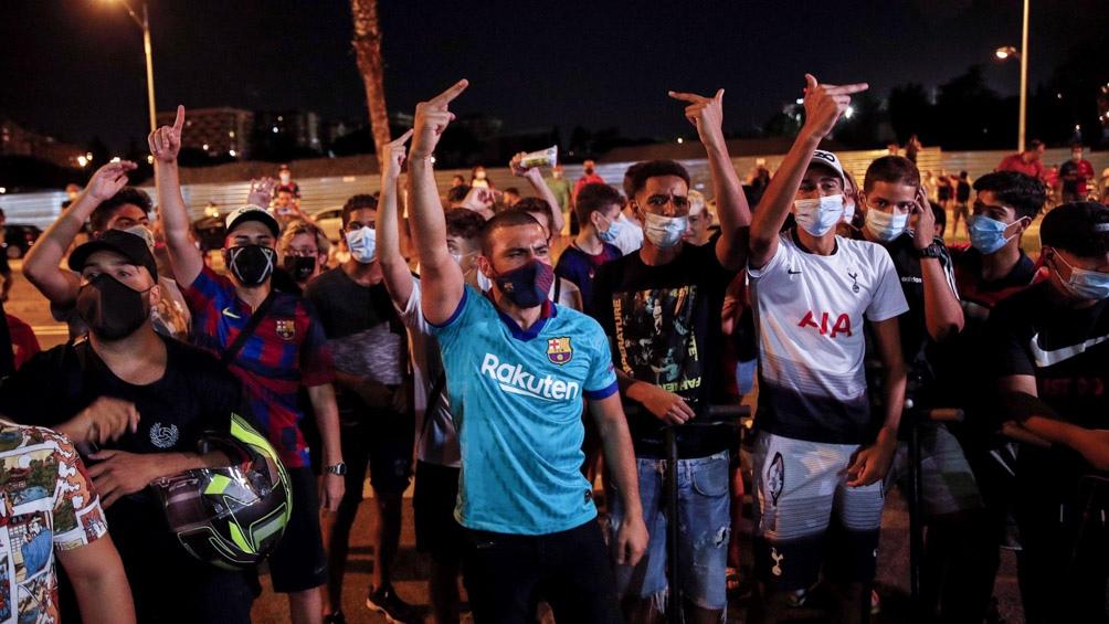 Los catalanes piden por la salida del presidente del Barcelona, luego de que Messi anuncie su intención de dejar el club