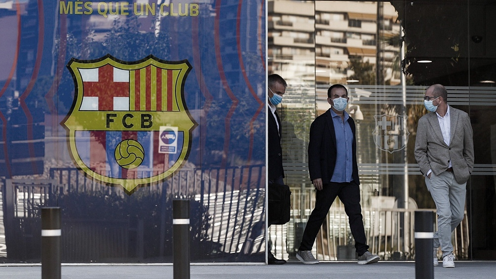 Detienen al expresidente del Barcelona tras allanar oficinas del club por  denuncias de corrupción - Télam - Agencia Nacional de Noticias
