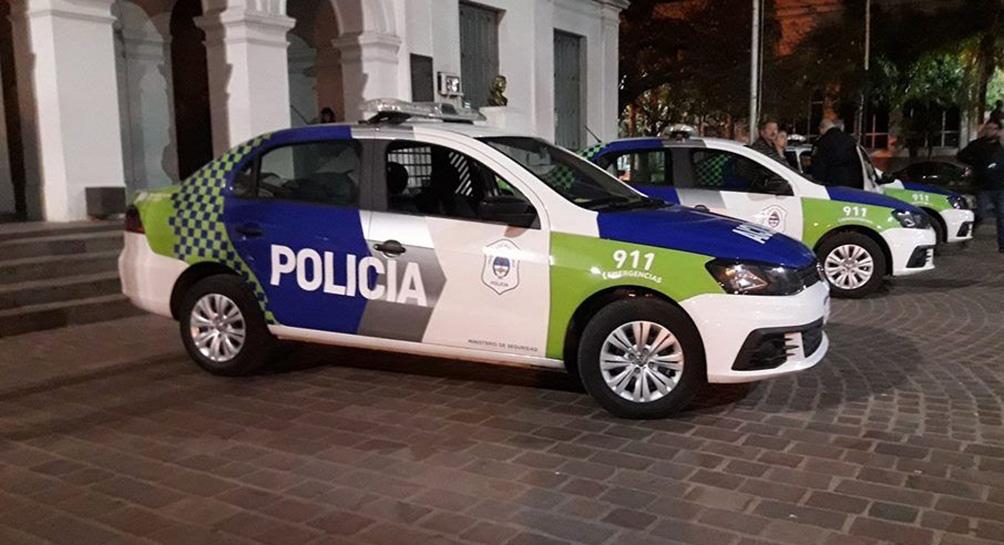 Los efectivos de la comisaría 3ra. de Virrey del Pino se entrevistaron en el lugar con un vecino que fue quien había llamado al 911 para alertar de lo sucedido