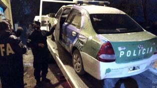 Ordenan peritar el patrullero, celulares y registros secuestrados en una comisaría de Bahía Blanca