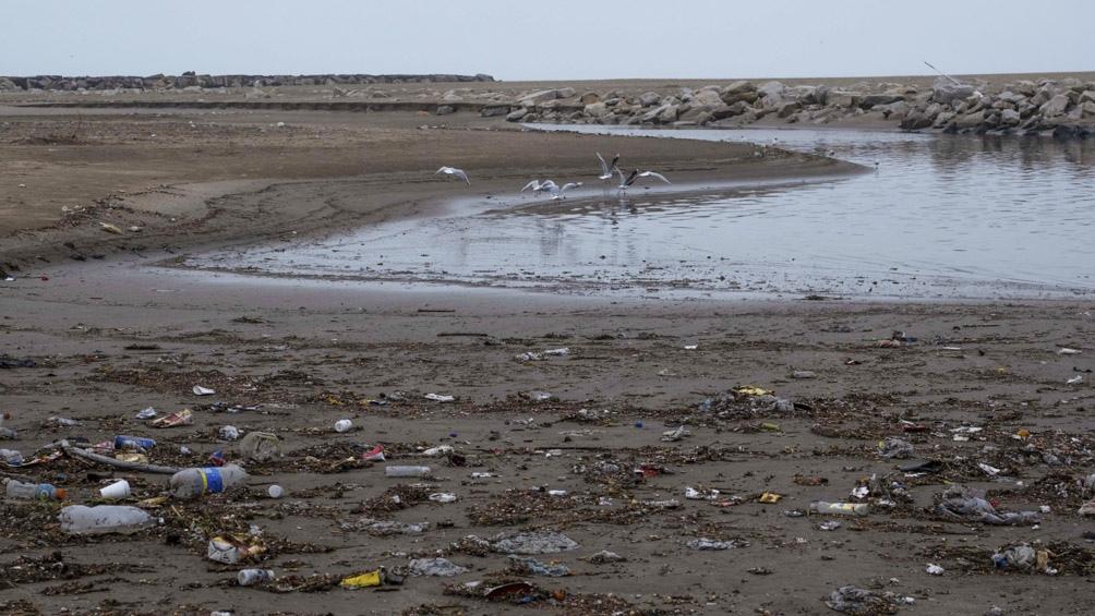 Pronostican que los residuos de la pandemia terminarán formando piscinas de microplásticos