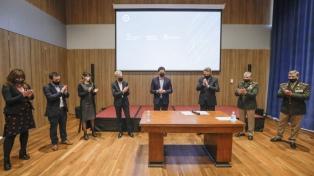 Wado De Pedro fue al nuevo edificio de Archivo General de Nación y firmó convenios con Rossi y Meoni