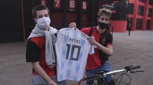 Una caravana de hinchas de Newell´s pide por el regreso de Messi