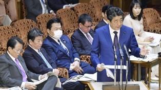 Renuncia el primer ministro Abe y cierra el mandato más prolongado de Japón