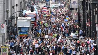 Nuevas manifestaciones negacionistas recorren las calles de Berlín