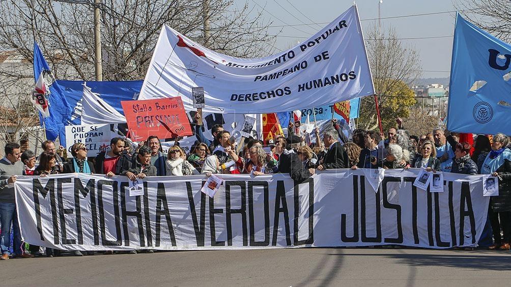 """Los derechos humanos """"constituyen un eje vertebral en una sociedad que pensamos de cara al futuro"""", afirmó Catalani."""